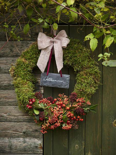 Herbstliche Deko-Ideen für drinnen und draußen | Blumendeko, Drinnen ...