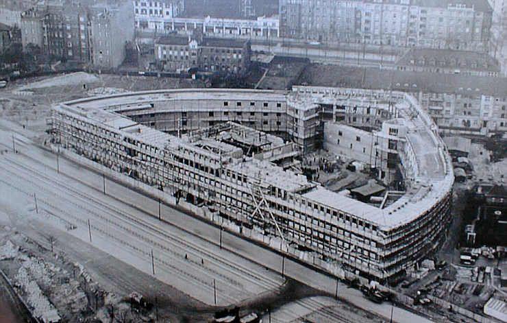Haus Des Rundfunks Berlin Szukaj W Google Landmarks Louvre Building