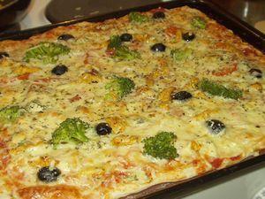Erilainen & ihana pizza Kotikokki.netin nimimerkki Pikkukurkun tapaan