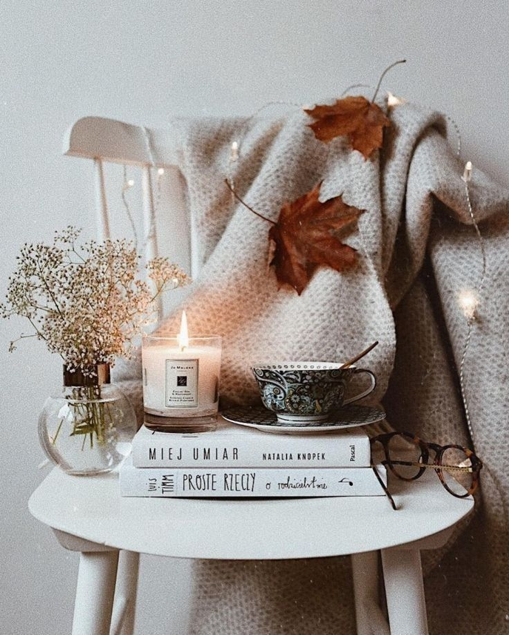 blankets and candles �