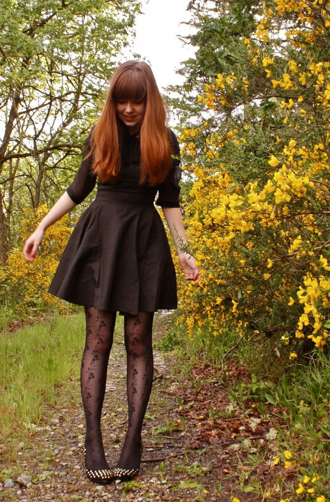 Patterned tights + studded ballet flats.