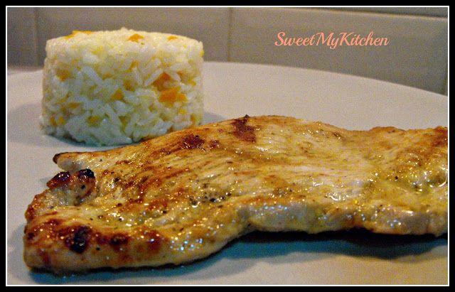 Bife de peru com citrinos, gengibre e arroz de cenoura