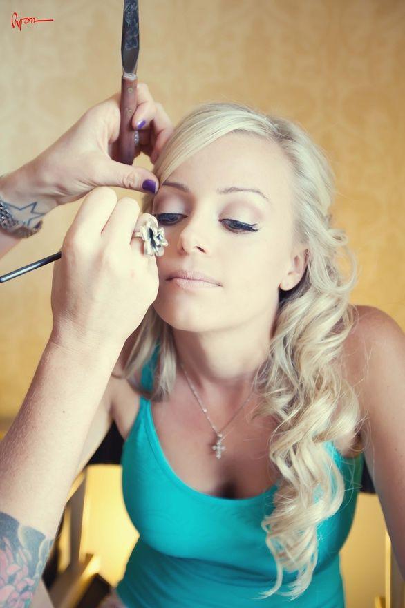 Leslie Riemen Neese Wedding Makeup I Think Just Found
