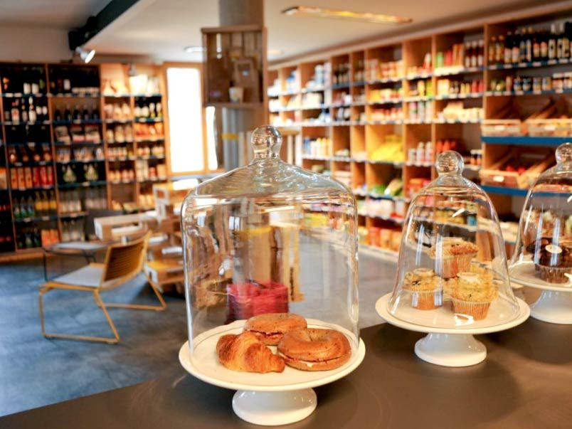 display ideas for retail stores simple 2 in 1  cafe and Cosmetic Retail Store Design Retail Store Interior with Human
