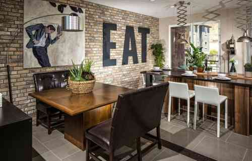 Déco salle à manger avec mur brique  50 idées originales Salons - idee de deco salle a manger