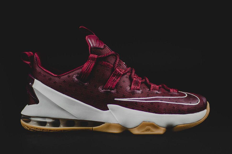 100% authentic 95ea7 506d5 Nike LeBron 13 Low