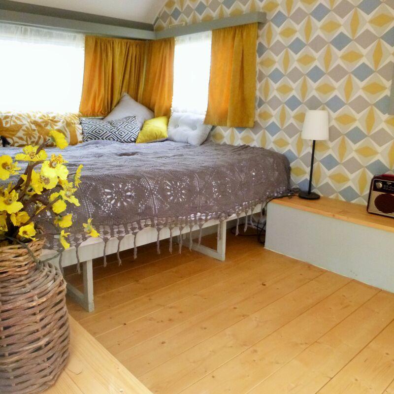 une petite pi ce en plus caravane caravane caravane. Black Bedroom Furniture Sets. Home Design Ideas