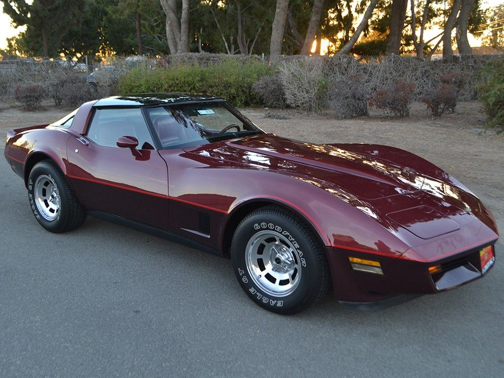 1981 chevrolet corvette with rpo d84 two tone paint option in autumn red dark