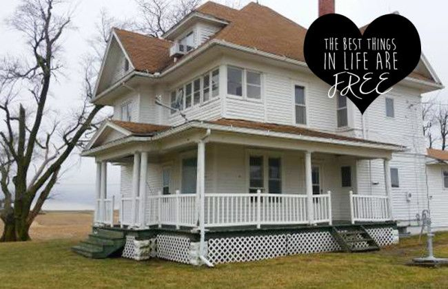 Spotted on Craigslist! A Free Farmhouse in Iowa | CIRCA Old Houses