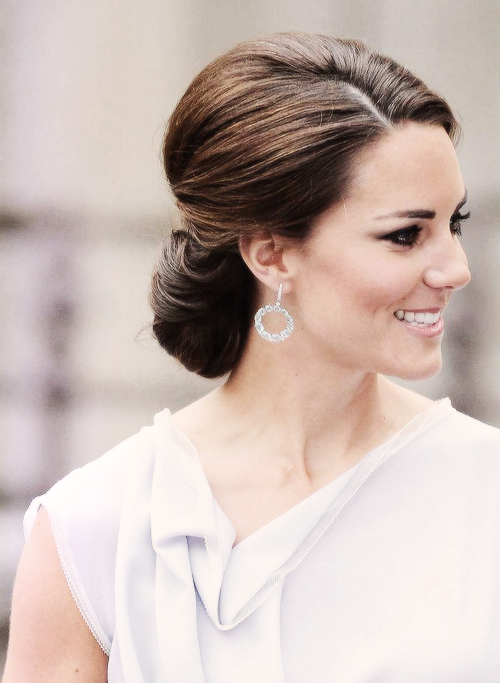 Kate Middleton Duchess Of Cambridge London Royal Family Kate Middleton Hair Hair Styles Classy Hairstyles