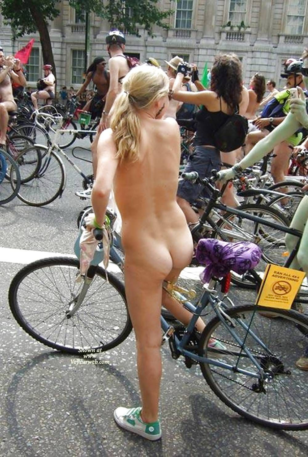 Posing For Posterity At The Start Of The World Naked Bike -3996