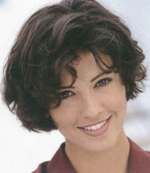 Awesome Short Hairstyles For Thick Coarse Hair Fashion Blog Short Wavy Hair Thick Wavy Hair Short Hair Styles Easy