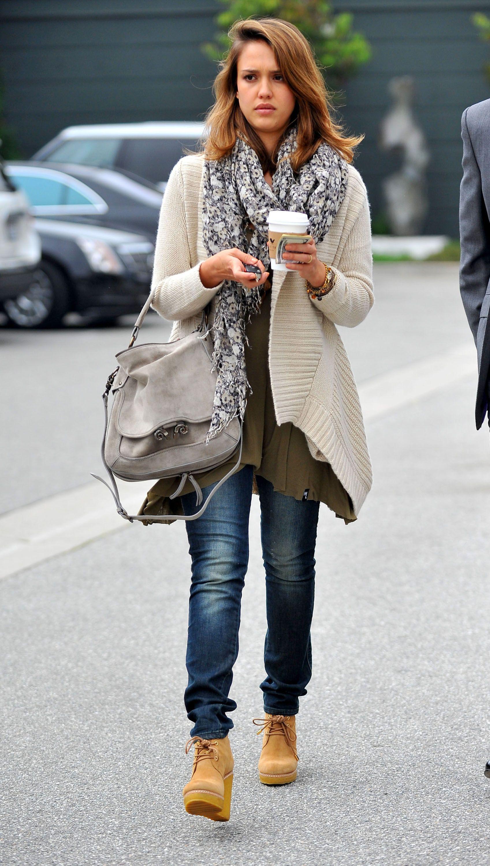 53fffcb56b10 Jessica Alba15 Jessica Alba Hair, Jessica Alba Style, How To Wear Cardigan,  Sweater