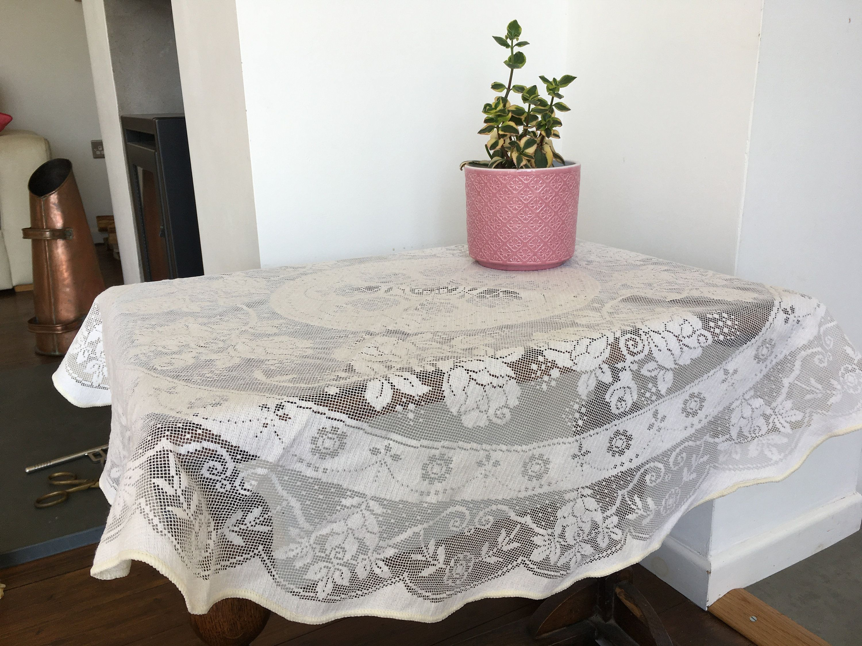 Vintage Cotton Lace Peggy Wilkins Design Off White Round