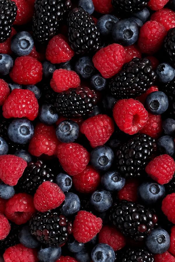 Caring For Fresh Berries The Best Berry Wash Gardening Fond D Ecran Colore Stylisme Culinaire Cuisine Et Boissons