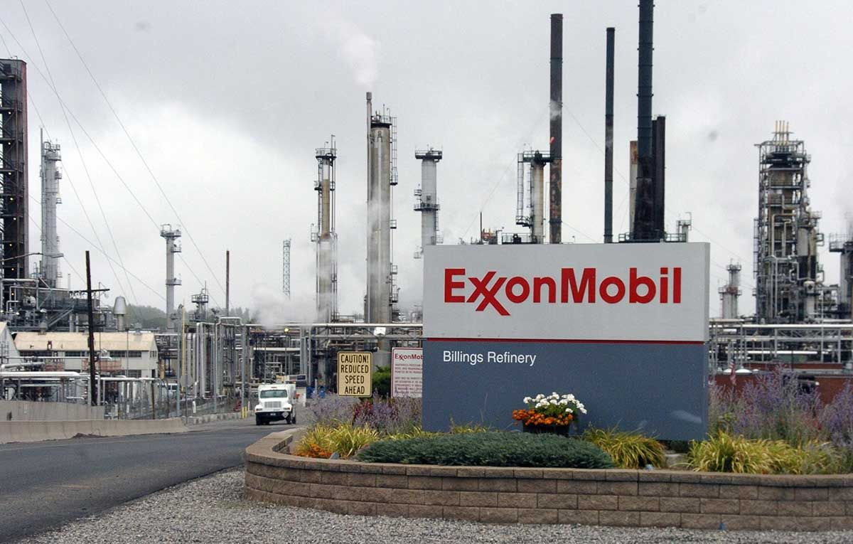 Exxonmobil Partners With Microsoft To Deploy Cloud Technology Azure Dynamics365 Exxonmobil Internetofthings Machinelearning Exxon Climate Change Climates