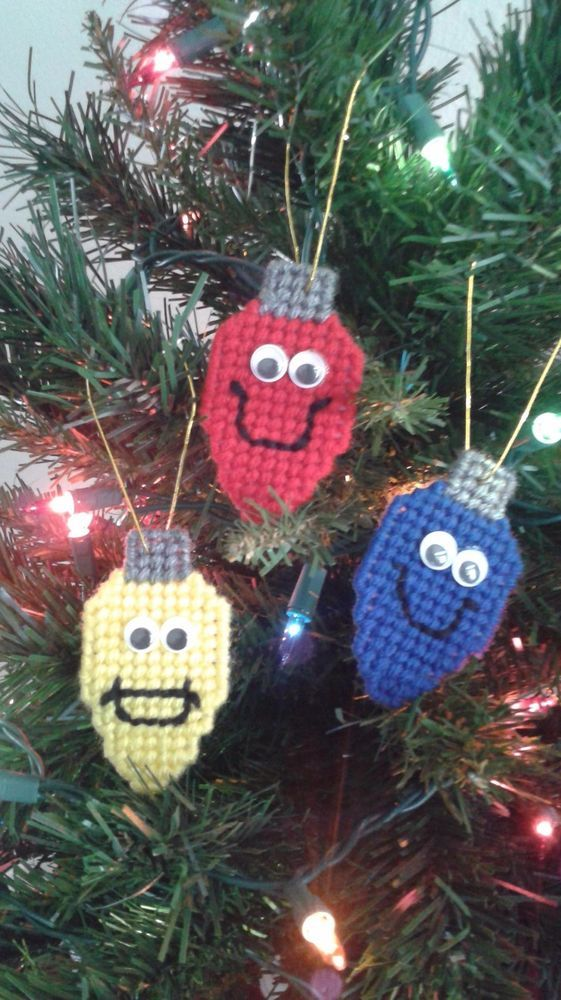set of 3 christmas light bulb ornaments plastic canvas holiday tree decoration handmade lightbulbswithfaces these cute handmade christmas light bulb