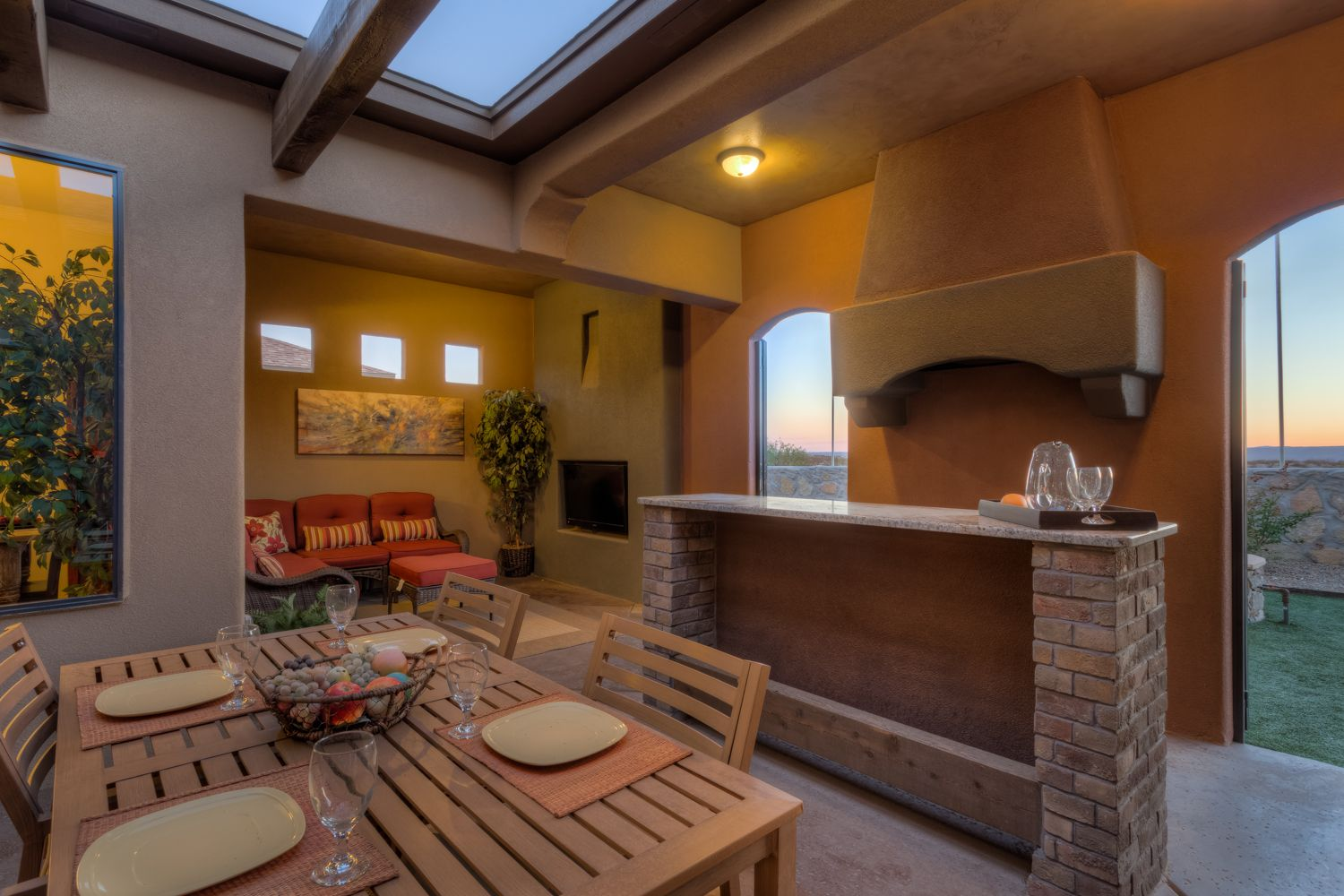 Outdoor Living E In A Tuscan Style Home By Gl Green Glgreen