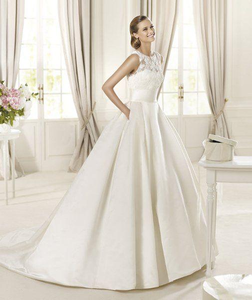 Pronovias Real Wedding Inspiration: DALIA The Romantic Inspiration Of The Dalia Model By