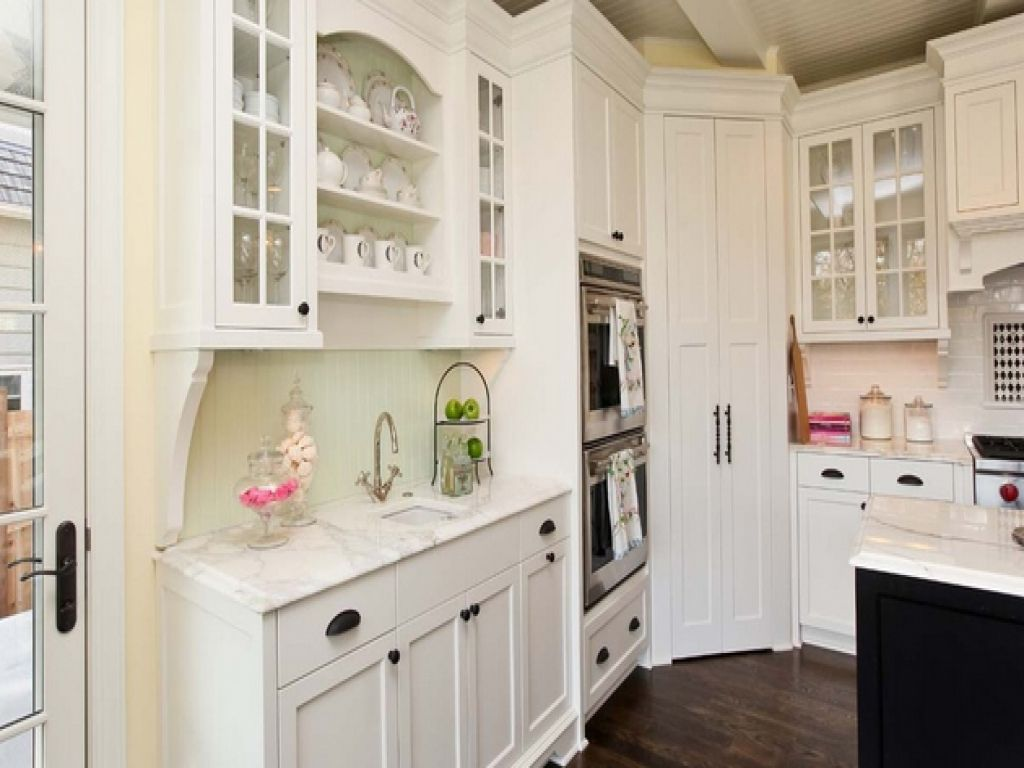 Kitchen with corner pantry door kitchen pantry design corner kitchen pantry with door corner walk in