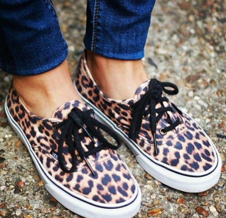 Vans Leopard Authentic - size 9 please. | Je te veux