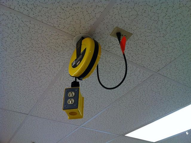 Electrical Outlets Handy On The Ceiling Electrical Outlets Electricity Makerspace Furniture