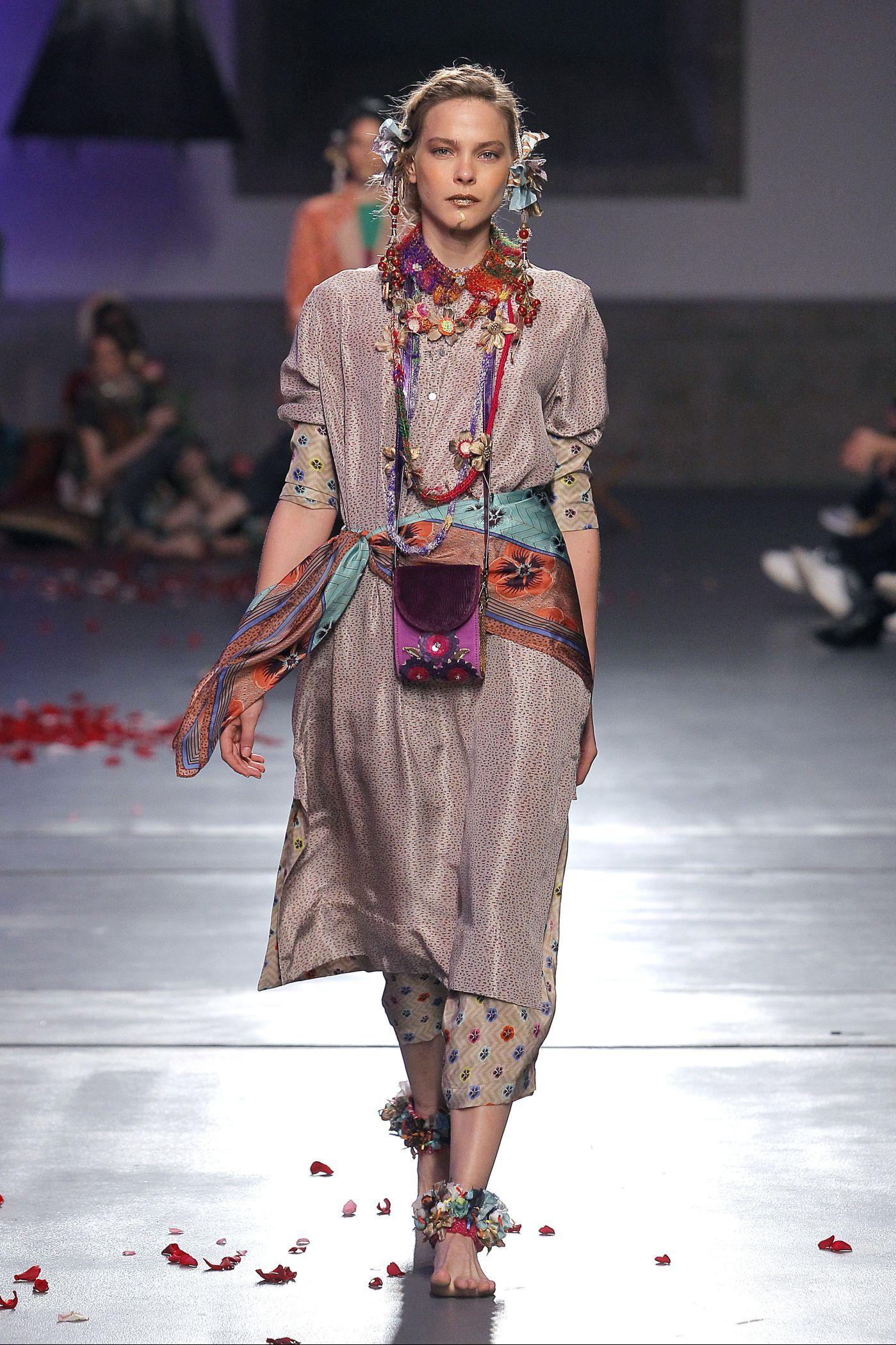 TM Teresa Martins y su trilogía «Desert Eves»  – Moda
