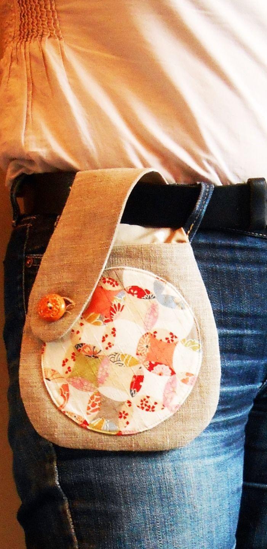 Pochette de ceinture smartphone lin et tissu japonais : Etuis portables par vero-les-petites-bobines