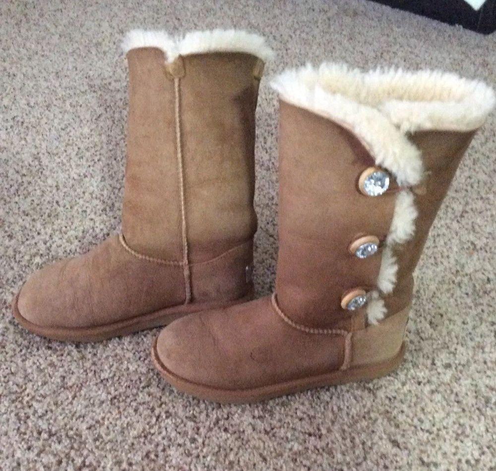 a7a0f0a1b14 canada girls ugg boots size 2 6a51c 031e9