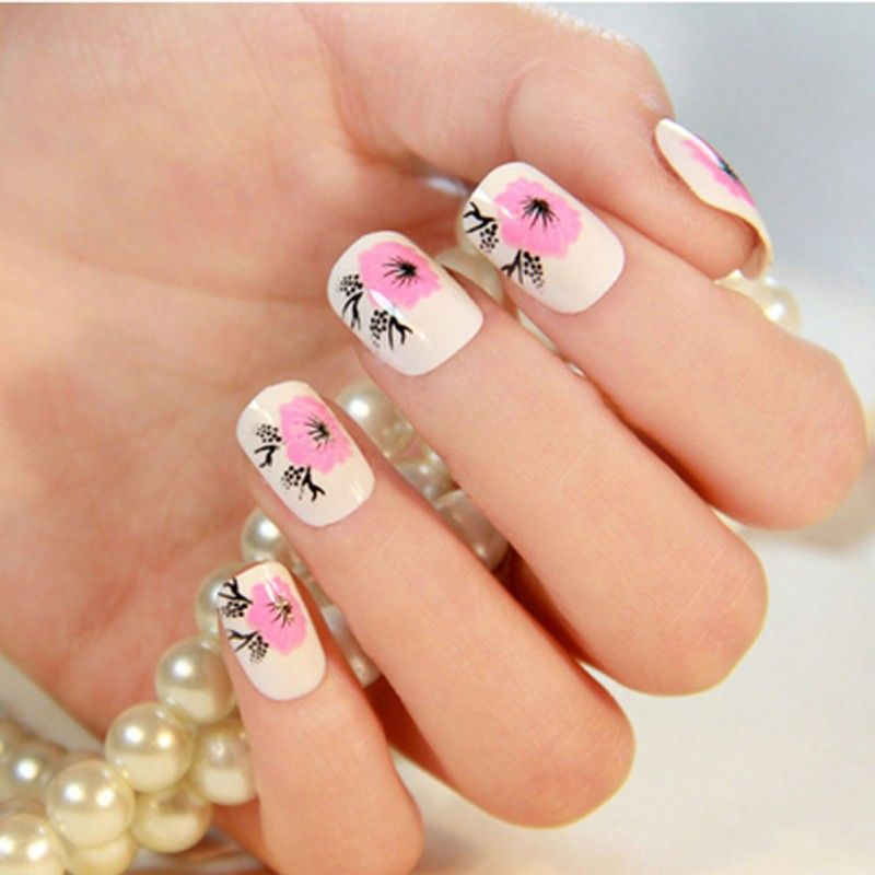 Stylish and Charming Pre-designed False Nails Art for Girls, Peach ...