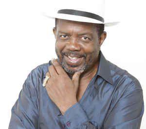 Camilo Azuquita. Salsa, pop, funk, soul Singer. Born 18 februar, 1945 in Colón, Panama.