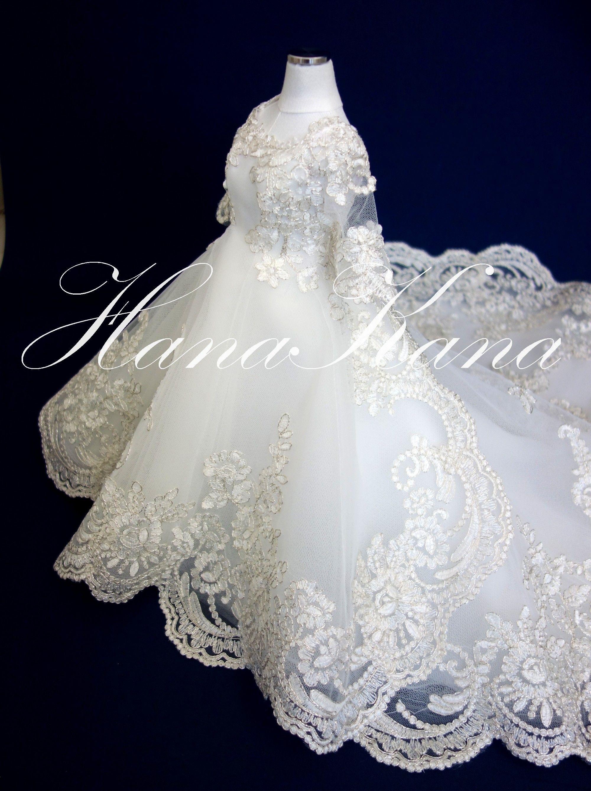 総レースのウエディングドレスのミニチュアはレース柄を活かして大胆で豪華な仕上がり ウエディングドール ウエディングドレス ドレス