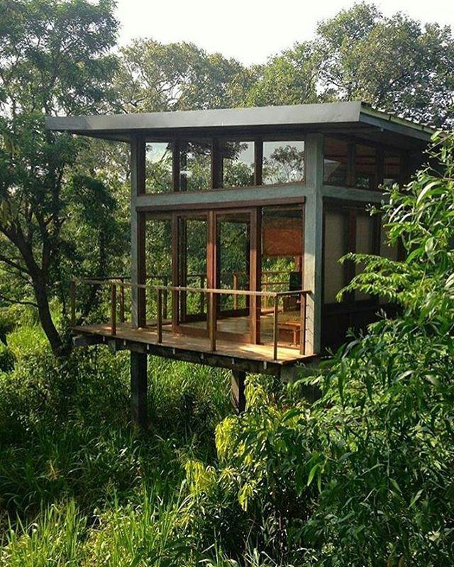 25 chalets dans le bois qui nous donnent le goût de s'évader dans la nature cet automne - Joli Joli Design #houseinspiration