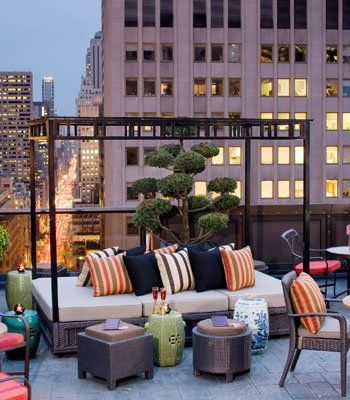Dachterrasse Gestalten Mit Terrassenmöbel Rattan Und Nebentische Rund