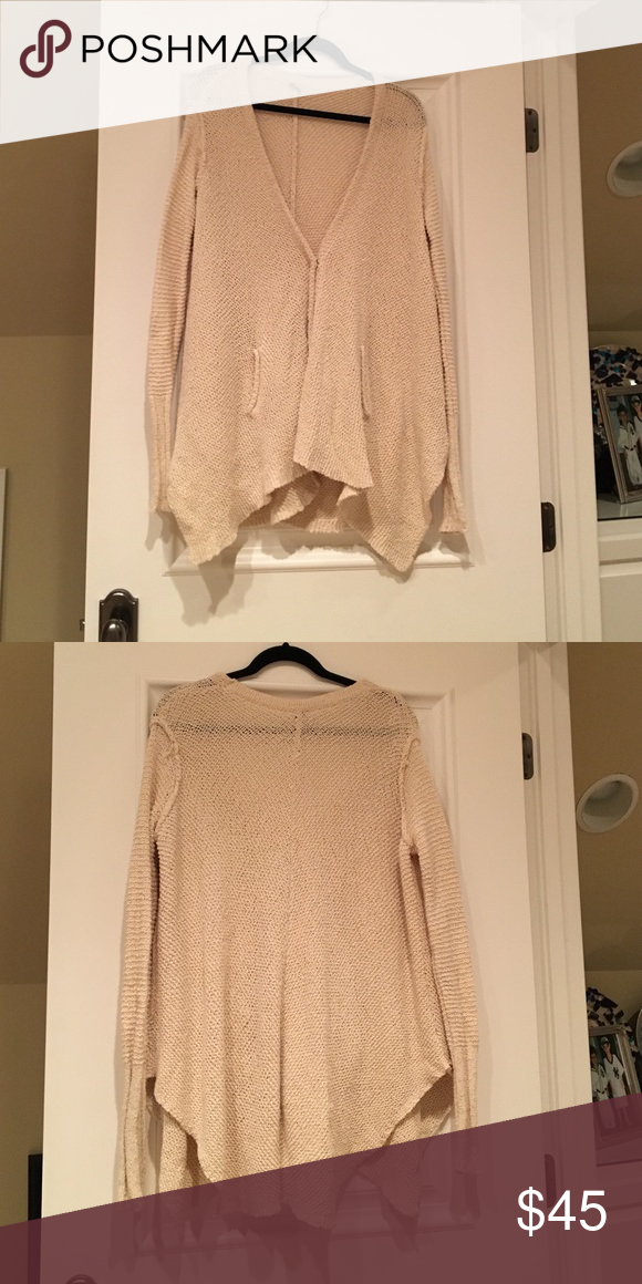 Free People Sweater Excellent condition. Worn once Free People Sweaters