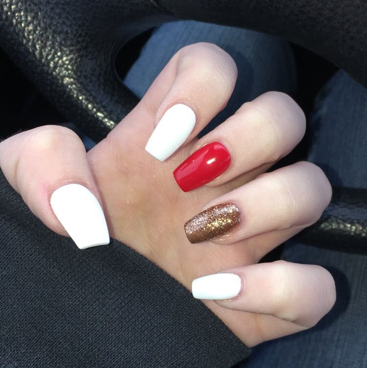 45 Most Eye Catching Simple White Gel Nails To Copy Koees Blog White Gel Nails Gold Acrylic Nails Red And White Nails