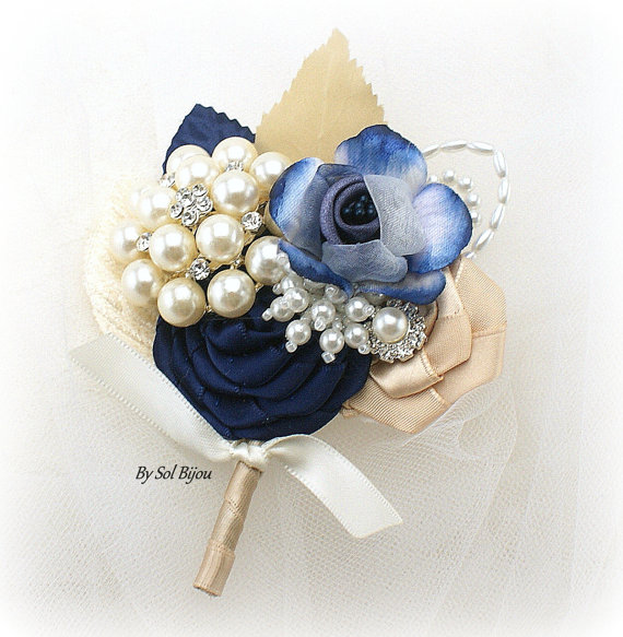 8dad13be2799f Boutonniere