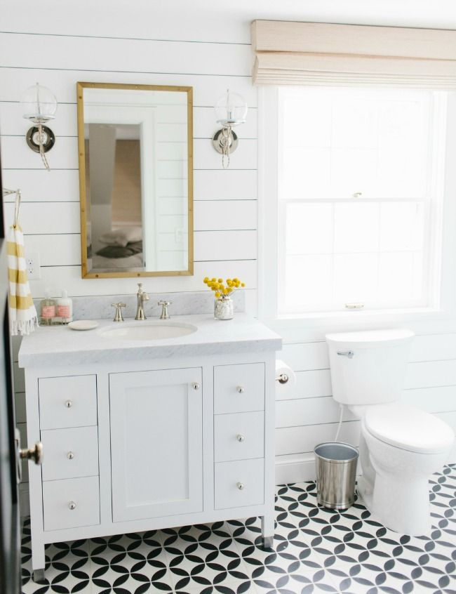 20 Best Farmhouse Bathrooms To Get That Fixer Upper Style Studio Mcgee Studio And Farmhouse