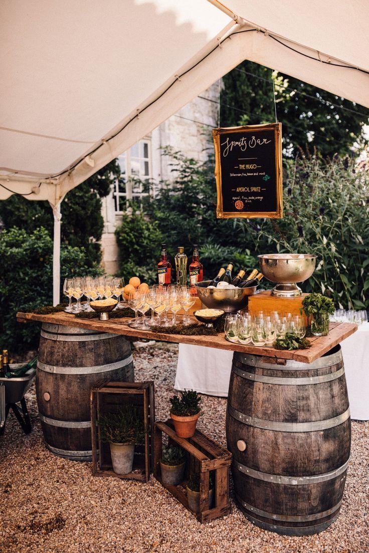 Aperol Spritz Bar au Château Rigaud pour un Français mariage de destination – Dress