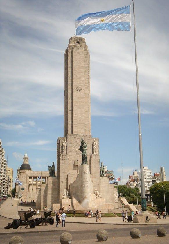 monumento a la bandera en la ciudad de rosario provincia