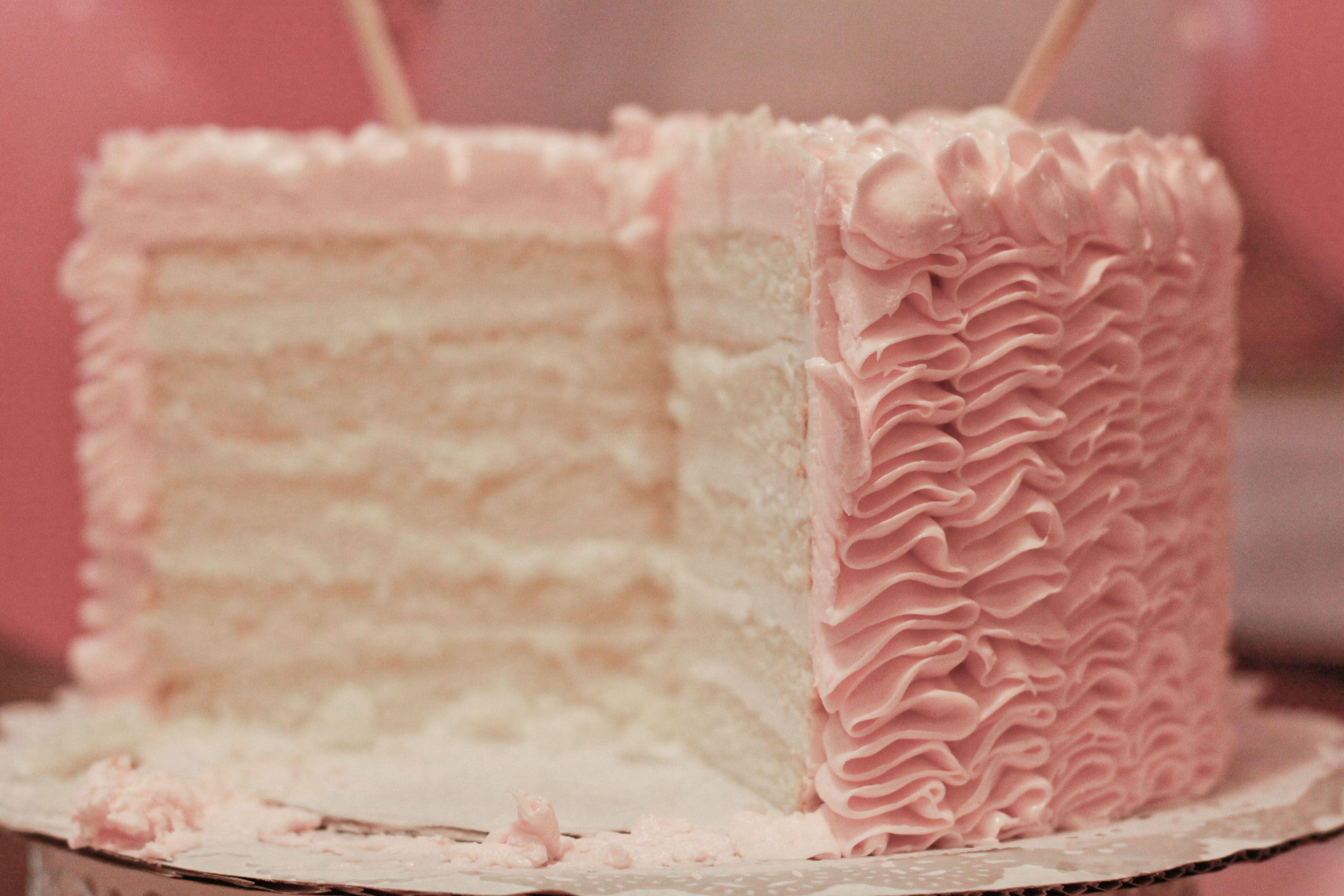 Tremendous Ruffle Cake From Eatzis Plano Tx Ruffle Cake Cake Vanilla Cake Funny Birthday Cards Online Amentibdeldamsfinfo