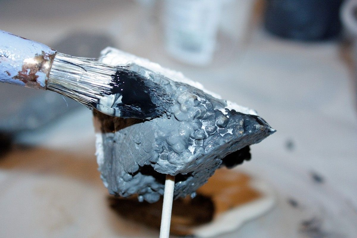 comment faire des rochers en polystyr ne pour la cr che. Black Bedroom Furniture Sets. Home Design Ideas