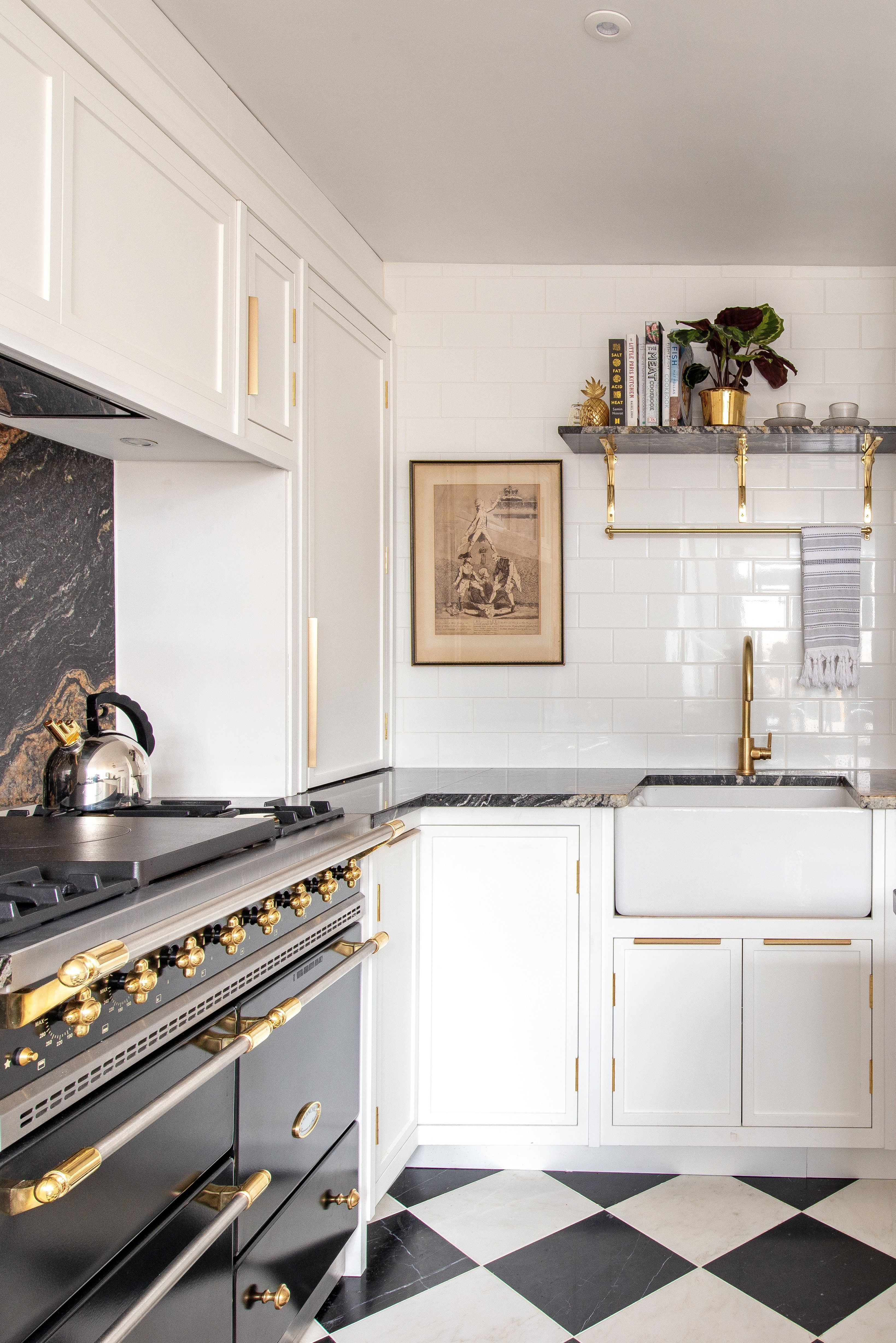 We Have All Loved Working On This Bespoke Kitchen In Shoreditch The Cabinetry Is Our Westgate Range Hand Pai Kucheneinrichtung Kuchendesign Kuchen Inspiration