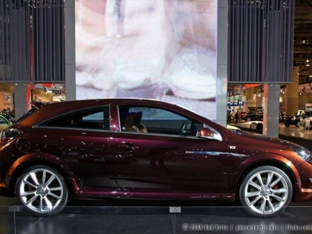 Saturn Astra Xr Photos News Reviews Specs Car Listings Saturn Photo Car