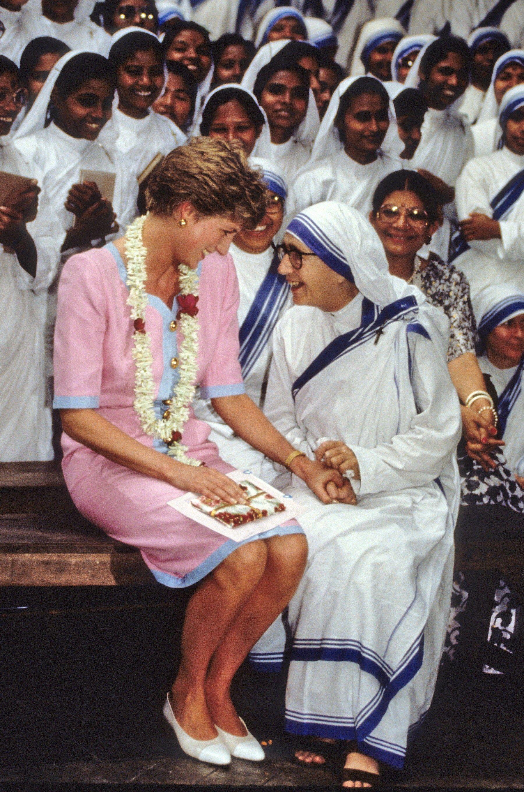 50 Rare Photos of Princess Diana That Will Definitely Make