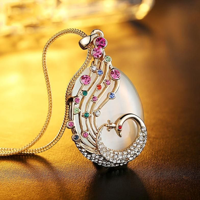 Free Wings Luxury Moon plated gold Plated Jewelry High End Chain