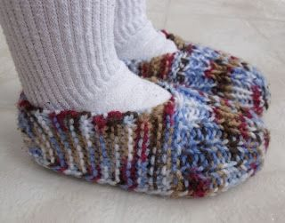 50aa80fb2c9 Learn to knit these child sized slippers with this FREE pattern ...