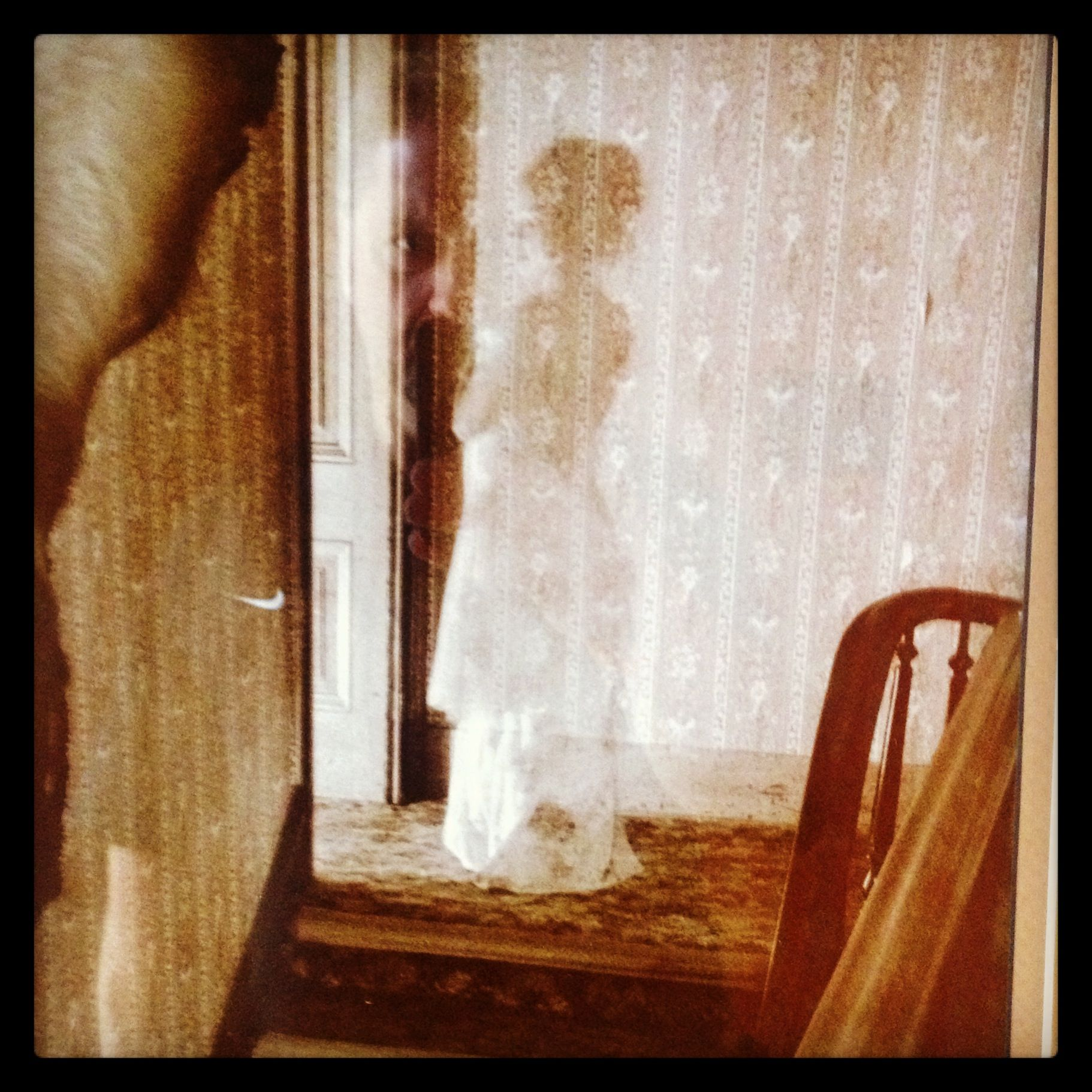 Ghosts At The St James Hotel In Cimarron Nm Creepy Ghost