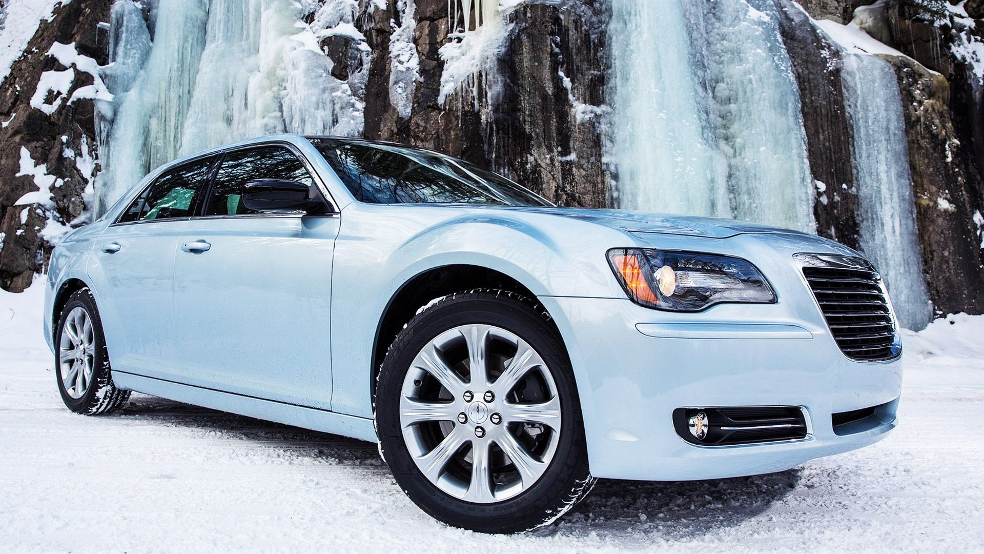 2013 Chrysler 300 Glacier Rims car review Chrysler 300