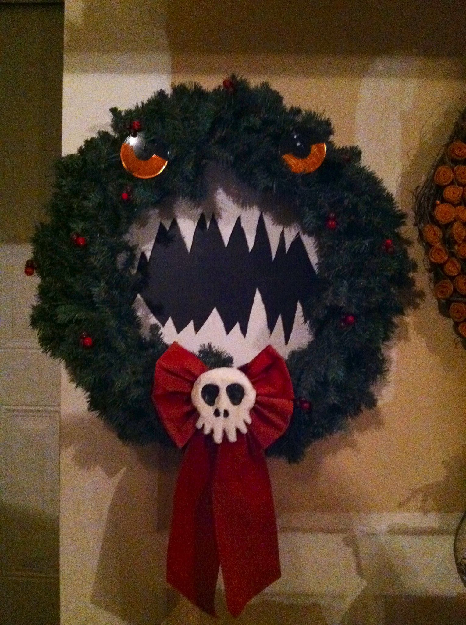 My diy nightmare before Christmas wreath reflectors for eyes so I